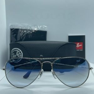 BNIB Rayban Silver with Blue Gradient Lens Rb3025